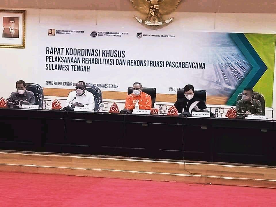 Wakil Menteri (Wamen) Pekerjaan Umum dan Perumahan Rakyat (PUPR), John Wempi Wetipo, menyoroti pembebasan lahan Hunian Tetap (Huntap) dan validasi data penyintas bencana di Provinsi Sulawesi Tengah.