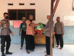 Tim Preemtif Madago Raya Sisir Kampung Tamanjeka untuk Bagi Bansos Kepada Mantan dan Keluarga Napiter Poso