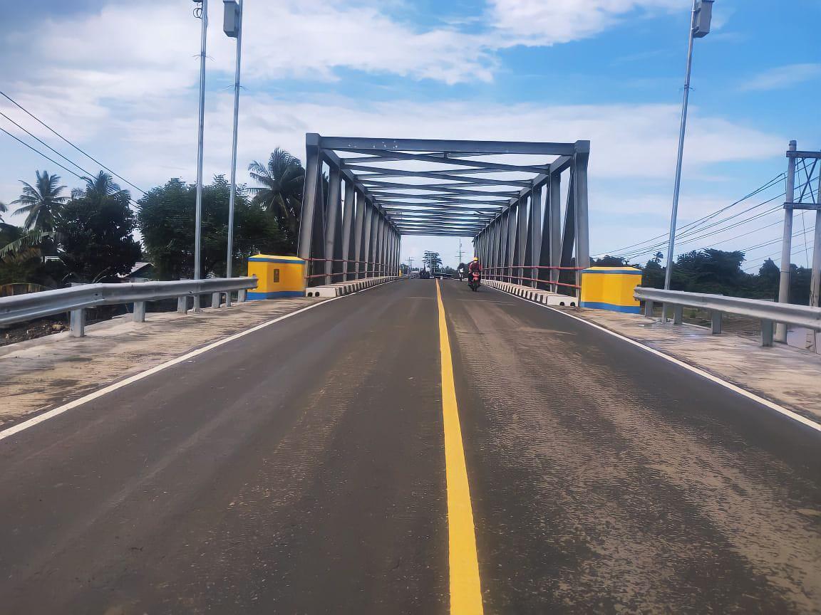 Dua bangunan jembatan Dampala